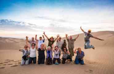 Circuit explore : Pérou-Bolivie-Chili, la trilogie andine - Ce circuit de 21 jours promet une expérience hors du commun à la découverte de trois pays : le Pérou, la Bolivie et le Chili. Si vous ne manquerez pas les incontournables (visite du Machu Picchu, du désert d'Atacama ou encore des lignes de Nazca, pour n'en citer que quelques-uns), le trajet sera cependant ponctué d'étapes clés à travers de véritables échanges avec les locaux lors de dîners et nuits chez l'habitant.