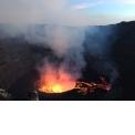 Trek Nyiragongo - <p>Passez une nuit au bord du plus grand lac de lave actif au monde. Apres un trek de quelques heures, passez une nuit à 3470m d'atitude dans un cabanon confortable au sommet du volcan Nyiragongo. La lave bouillone sans cesse avec un rythme hypnotique et est accompagnée d'un tapis d'étoiles magnifique. Réellement une expérience unique au monde!</p>