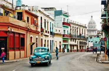 Circuit explore : Cuba dans tous ses états - Cuba, une destination qui vous surprendra lors de ce circuit de 16 jours. L'île vit à son propre rythme et promet un dépaysement total. Des vallées de terre rouge de Viñales à la jungle exubérante des montagnes de l'Escambray et de la Sierra Maestra, nous vous emmenons à la découverte de la vie locale pour une expérience cubaine inédite et authentique !