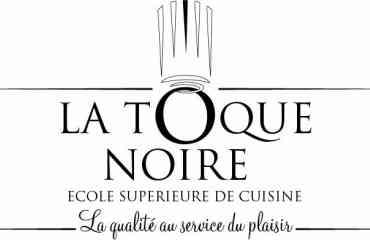 La TOQUE NOIRE - École de cuisine  offrant une formation de haut niveau dans le domaine de la Cuisine, Arts de la table, de la Boulangerie-Pâtisserie ainsi que dans le Management Hôtelier-restauration, en partenariat avec un établissement français de renom dont les enseignants assureront des missions de formation dans toutes les matières techniques.