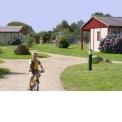 """Week-ends et vacances en Bretagne, sur la Côte de Granit Rose - <p>Idéalement situé au coeur de la Côte de Granit Rose, un Village de Gîtes d'une vingtaine de chalets uniquement, meublés et équipés tout confort, agréablement dispersés dans un grand parc. Locations «à la carte»: weekends, courts-séjours et vacances, pour couples, familles et groupes. Calme, naturel et familial; nombreux services: piscine couverte, infos touristiques, wifi gratuit, jeux, laverie, ….</p> <p>Locations possibles par nuitées (2 nuits minimum, """"à la carte"""" : 3 nuits, 4 nuits, etc.) de février à juin et de septembre à novembre. Locations par semaines uniquement, en juillet et août.</p> <p>Prix selon nombre de personnes et dégressif selon durée : voir sur le site Internet www.stereden.com</p> <p>Exemple : location d'un chalet pour 2 personnes, pendant une semaine (hors vacances scolaires) = 350€ prix public (290€ sur ce salon, soit une remise de 17%).</p> <p>Excellente adresse pour des vacances en Bretagne !</p>"""