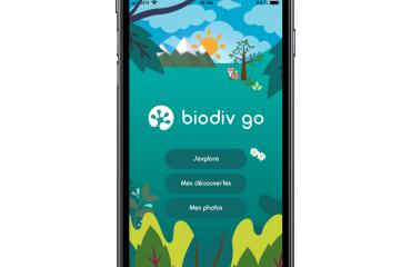 Biodivgo - Biodivgo met en valeur le territoire à travers la gamification. Biodivgo est un jeu sur smartphone, une chasse au trésor pour découvrir de manière ludique le patrimoine qui nous entoure. Concrètement Biodivgo propose au joueur des défis divertissants géolocalisés autour de lui. Un défi est une mission, une espèce (flore, faune) ou un point d'intérêt (curiosité naturelle, bâtiment, fontaine, street art etc.) à retrouver. Pour réussir son défi le joueur doit prendre une photo de sa trouvaille et répondre à un quizz. Il gagne alors des points, en apprend plus sur ce qu'il a découvert, progresse et devient un véritable explorateur!