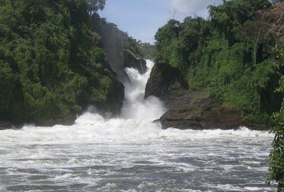 AFRIQUE-uganda-paysage-chute-d-eau-stella-bogdanic