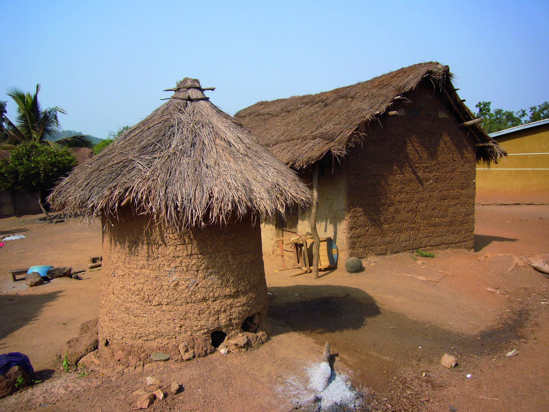 Côte d'Ivoire un village sénoufo vers Katiola