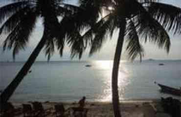 7 JOURS 6 NUITS PARFUMS DU CAMBODGE  - <p>• Programme complet incluant des visites essentielles.</p> <p>• Rencontre avec les habitants</p> <p>• Excursion en bateau sur le grand lac Tonlé Sap.</p> <p>• Activités diverses: balade en tuk-tuk, à pied, en bateau, visite de nombreux villages artisanaux…</p> <p>• Guides spécialistes.</p>